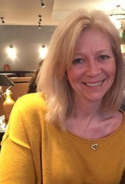 <h1>Julie Piggott-Locke<br> Mother of the Groom<BR>